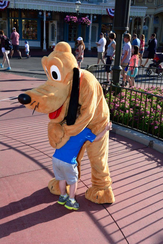 R Pluto 2